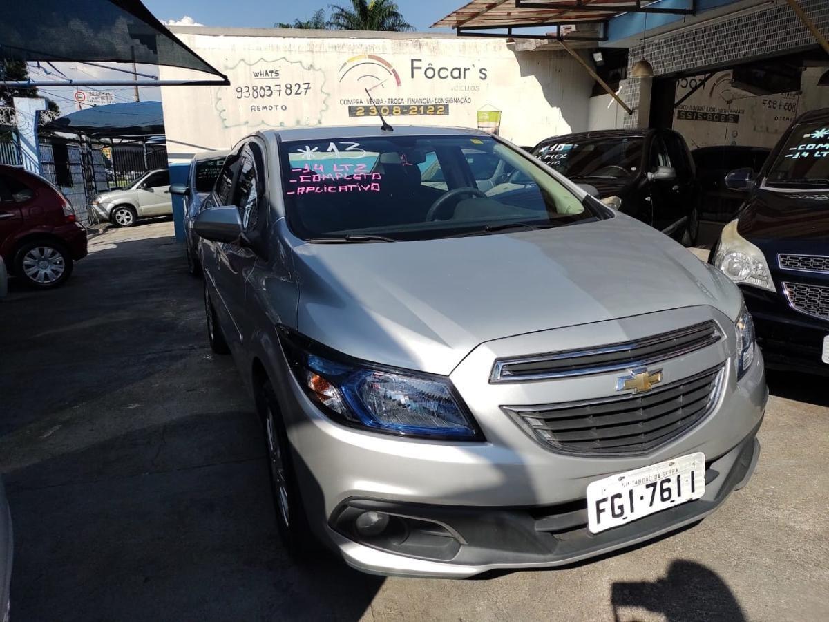 //www.autoline.com.br/carro/chevrolet/prisma-14-ltz-8v-flex-4p-manual/2013/sao-paulo-sp/14111616