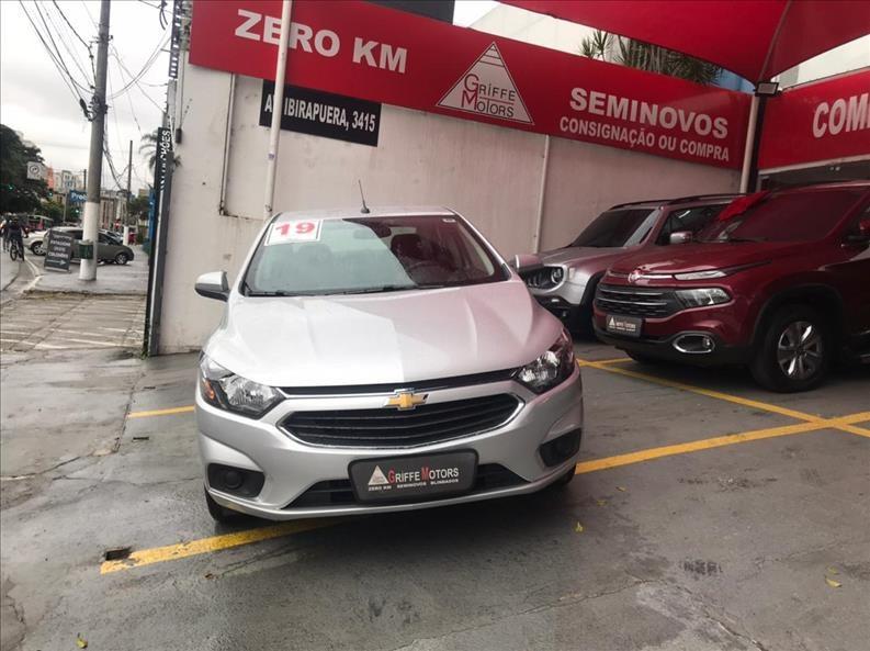 //www.autoline.com.br/carro/chevrolet/prisma-14-lt-8v-flex-4p-automatico/2019/sao-paulo-sp/14683355