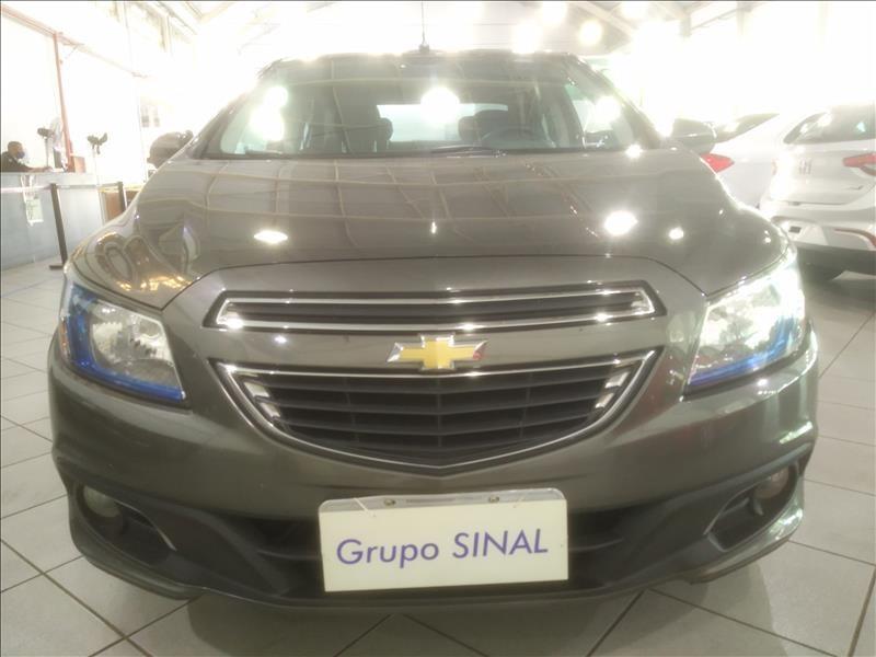 //www.autoline.com.br/carro/chevrolet/prisma-14-ltz-8v-flex-4p-automatico/2015/sao-paulo-sp/15568994