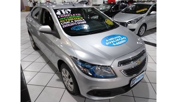 //www.autoline.com.br/carro/chevrolet/prisma-14-ltz-8v-flex-4p-automatico/2015/sao-paulo-sp/6918322