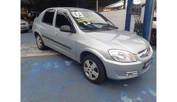 //www.autoline.com.br/carro/chevrolet/prisma-14-maxx-8v-flex-4p-manual/2009/sao-paulo-sp/7048667