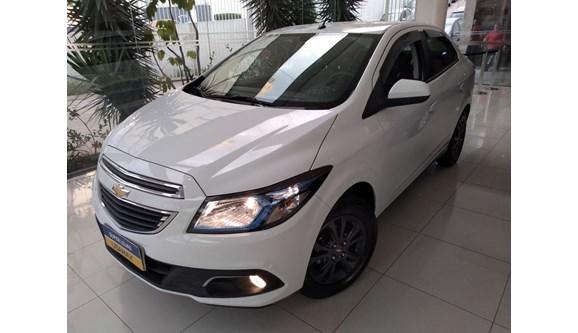 //www.autoline.com.br/carro/chevrolet/prisma-14-ltz-8v-flex-4p-manual/2014/sao-paulo-sp/7059871