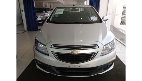 //www.autoline.com.br/carro/chevrolet/prisma-14-ltz-8v-flex-4p-automatico/2015/aracaju-se/7681966
