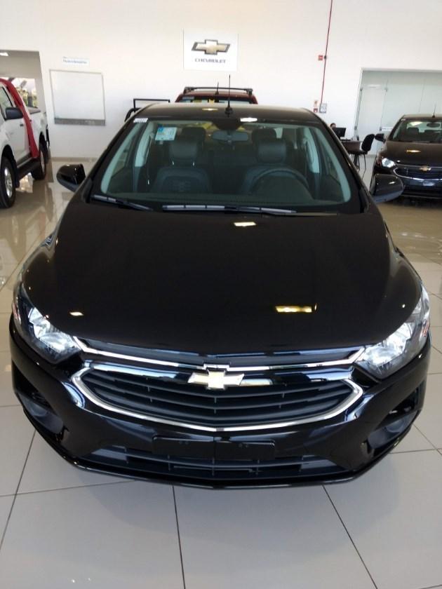 //www.autoline.com.br/carro/chevrolet/prisma-14-lt-8v-flex-4p-automatico/2019/vilhena-ro/8769208