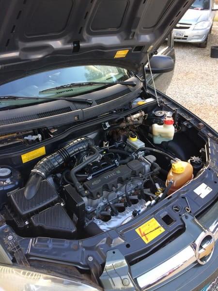 //www.autoline.com.br/carro/chevrolet/prisma-10-joy-8v-flex-4p-manual/2011/brasilia-df/8807578