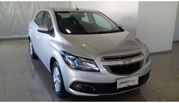 //www.autoline.com.br/carro/chevrolet/prisma-14-ltz-8v-spe-4-98cv-4p-flex-manual/2013/sao-carlos-sp/6716627
