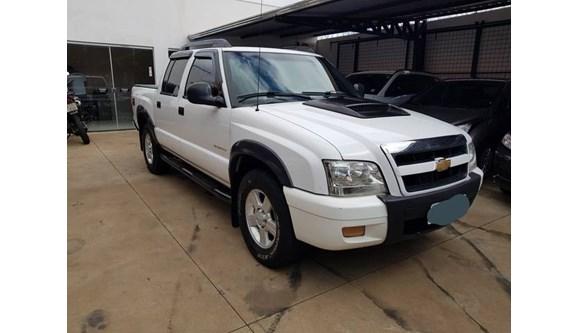 //www.autoline.com.br/carro/chevrolet/s-10-24-advantage-8v-flex-2p-manual/2011/uberaba-mg/10687385