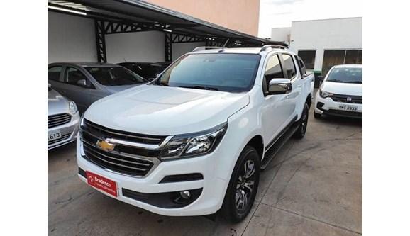 //www.autoline.com.br/carro/chevrolet/s-10-28-ltz-16v-diesel-4p-automatico/2017/uberaba-mg/10921209
