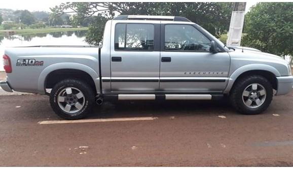 //www.autoline.com.br/carro/chevrolet/s-10-28-executive-12v-diesel-4p-manual/2011/jatai-go/11096299