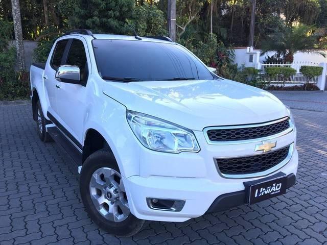 //www.autoline.com.br/carro/chevrolet/s-10-28-cd-ltz-16v-diesel-4p-turbo-automatico/2016/joinville-sc/12215522