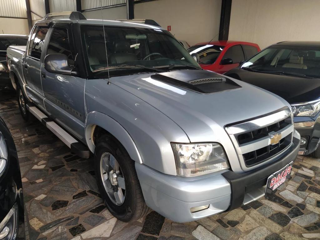 //www.autoline.com.br/carro/chevrolet/s-10-28-executive-cd-12v-diesel-4p-turbo-manual/2010/uberlandia-mg/13478378