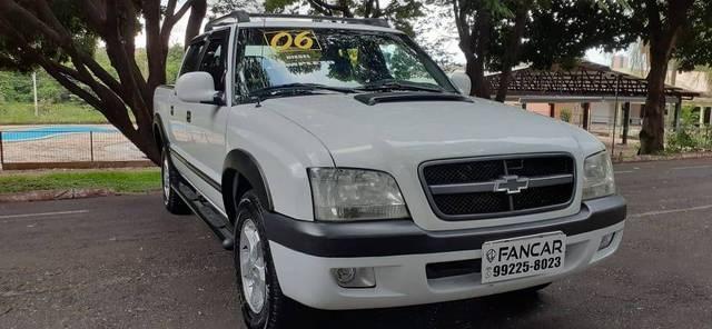 //www.autoline.com.br/carro/chevrolet/s-10-28-colina-cd-12v-diesel-4p-turbo-manual/2006/catanduva-sp/13618385