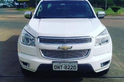 //www.autoline.com.br/carro/chevrolet/s-10-28-cd-lt-16v-diesel-4p-4x4-turbo-automatico/2014/goiania-go/14463669