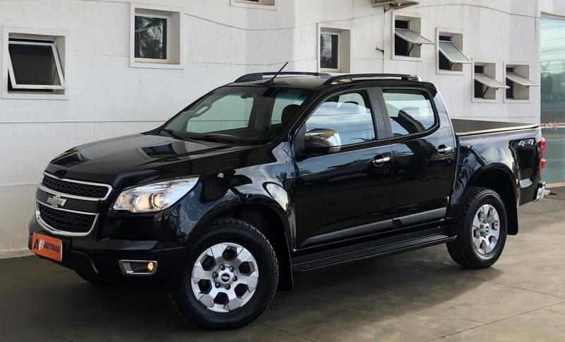 //www.autoline.com.br/carro/chevrolet/s-10-28-cd-ltz-16v-diesel-4p-4x4-turbo-automatico/2014/brasilia-df/14798247
