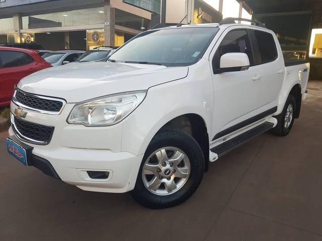 //www.autoline.com.br/carro/chevrolet/s-10-28-lt-cd-16v-diesel-4p-4x4-turbo-automatico/2013/brasilia-df/15157584