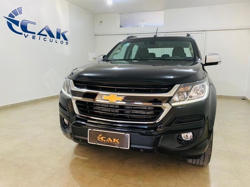 //www.autoline.com.br/carro/chevrolet/s-10-28-high-country-cd-16v-diesel-4p-4x4-turbo-au/2020/brasilia-df/15324653