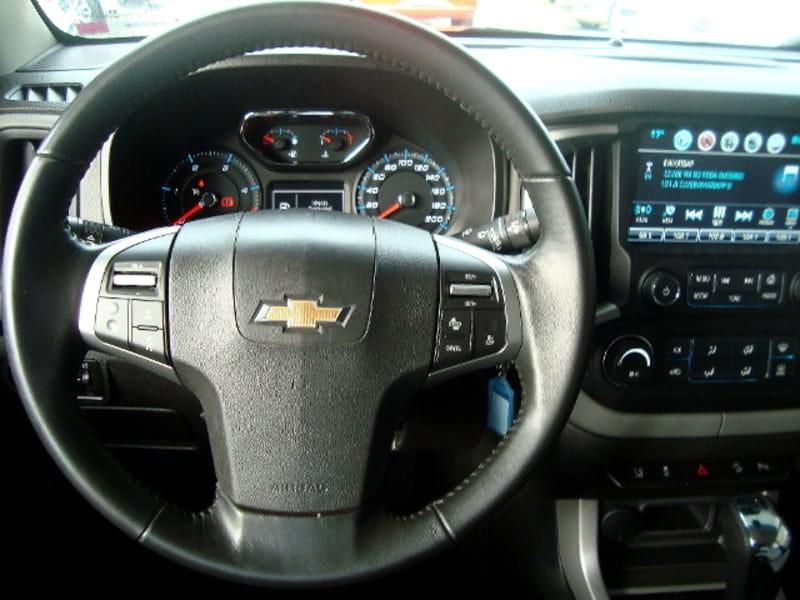 //www.autoline.com.br/carro/chevrolet/s-10-28-ltz-16v-diesel-4p-automatico/2017/sao-jose-dos-pinhais-pr/8767026