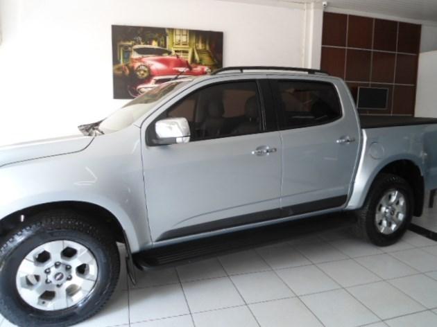 //www.autoline.com.br/carro/chevrolet/s-10-24-ltz-cabdupla-4x2-8v-141cv-4p-flex-manual/2013/lucas-do-rio-verde-mt/9195396