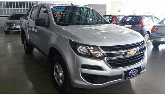 //www.autoline.com.br/carro/chevrolet/s-10-28-ls-16v-diesel-4p-manual-4x4-turbo-intercoo/2017/hortolandia-sp/9373190