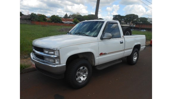//www.autoline.com.br/carro/chevrolet/silverado-42-std-ts-12v-diesel-2p-manual/1998/toledo-pr/10629473