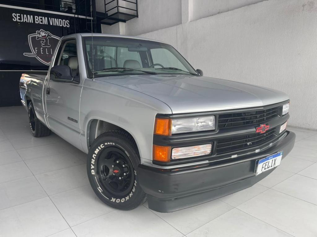 //www.autoline.com.br/carro/chevrolet/silverado-41-dlx-12v-gasolina-2p-manual/1998/sao-paulo-sp/15418850