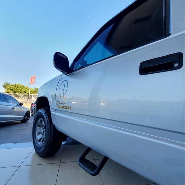 //www.autoline.com.br/carro/chevrolet/silverado-42-d20-rodeio-12v-diesel-2p-turbo-manual/2001/palmas-to/15514092