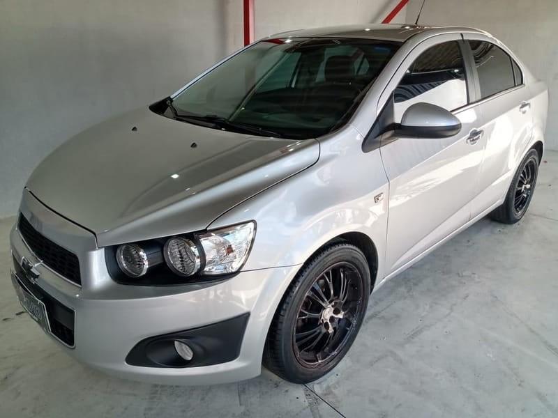 //www.autoline.com.br/carro/chevrolet/sonic-16-sedan-ltz-16v-flex-4p-automatico/2014/curitiba-pr/13146322
