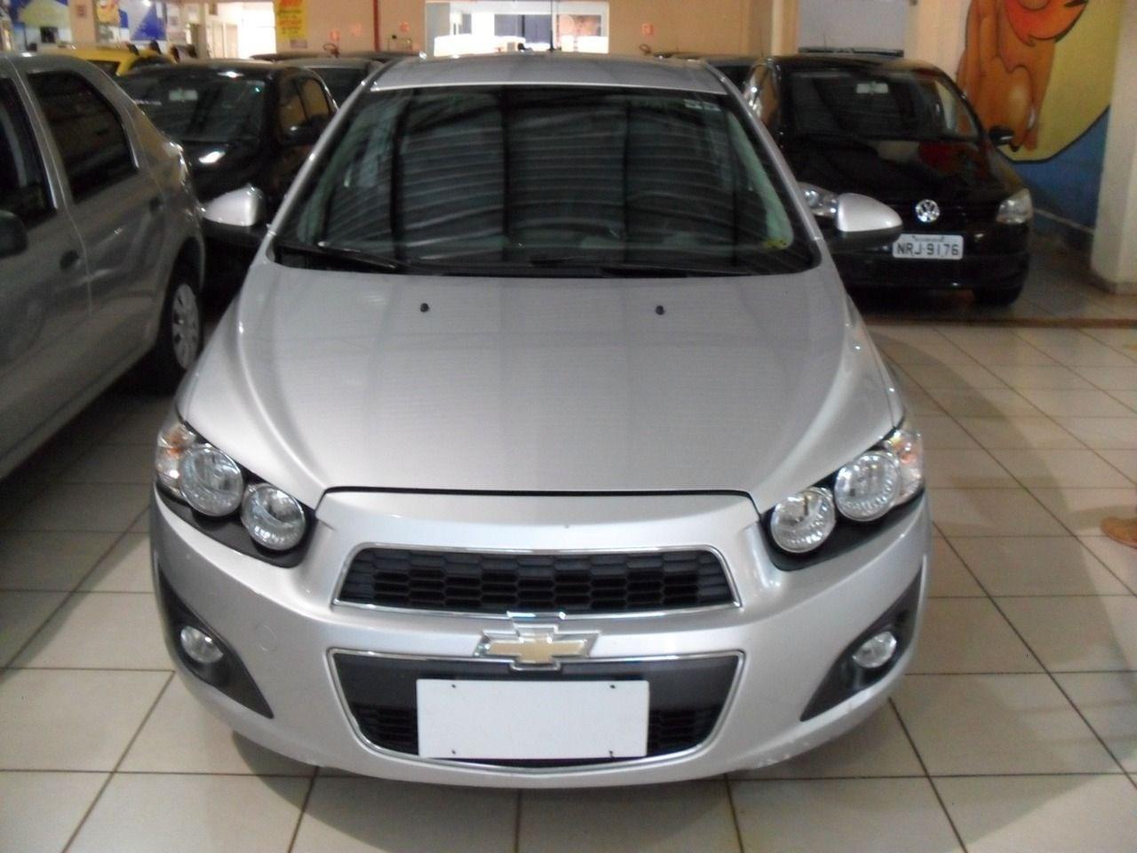 //www.autoline.com.br/carro/chevrolet/sonic-16-sedan-ltz-16v-flex-4p-automatico/2014/ribeirao-preto-sp/13577590