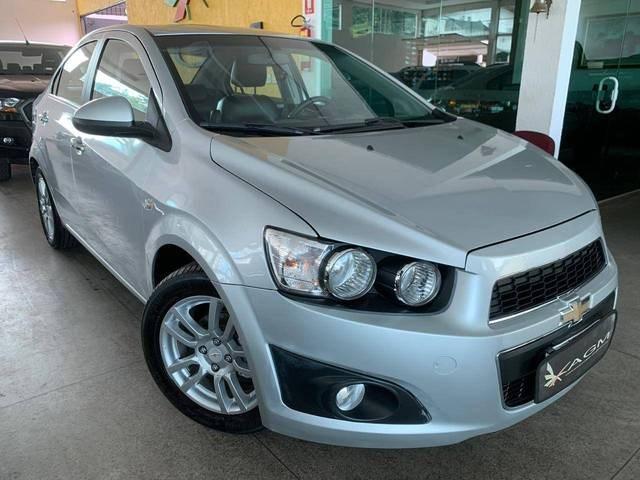 //www.autoline.com.br/carro/chevrolet/sonic-16-sedan-ltz-16v-flex-4p-automatico/2012/goiania-go/13664803