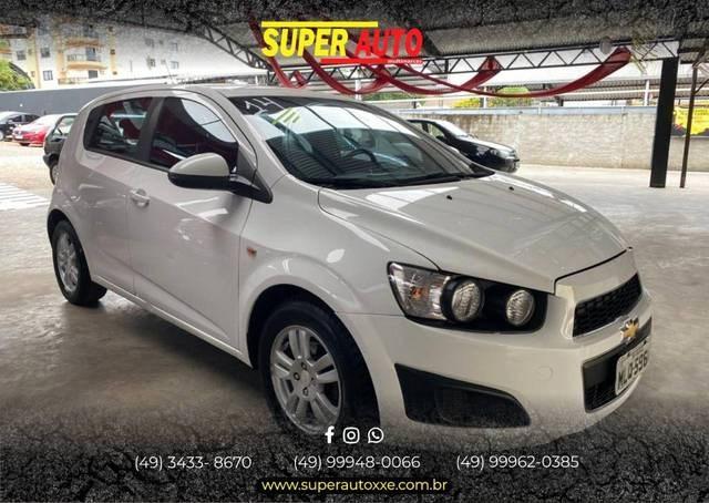 //www.autoline.com.br/carro/chevrolet/sonic-16-hatch-lt-16v-flex-4p-automatico/2014/xanxere-sc/13732856