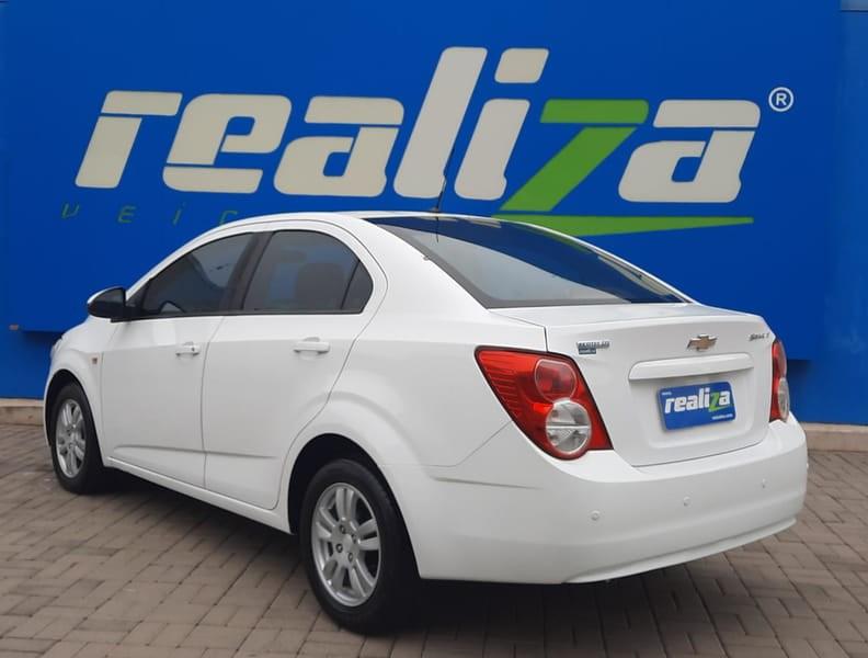 //www.autoline.com.br/carro/chevrolet/sonic-16-sedan-lt-16v-flex-4p-automatico/2013/guarapuava-pr/14482403