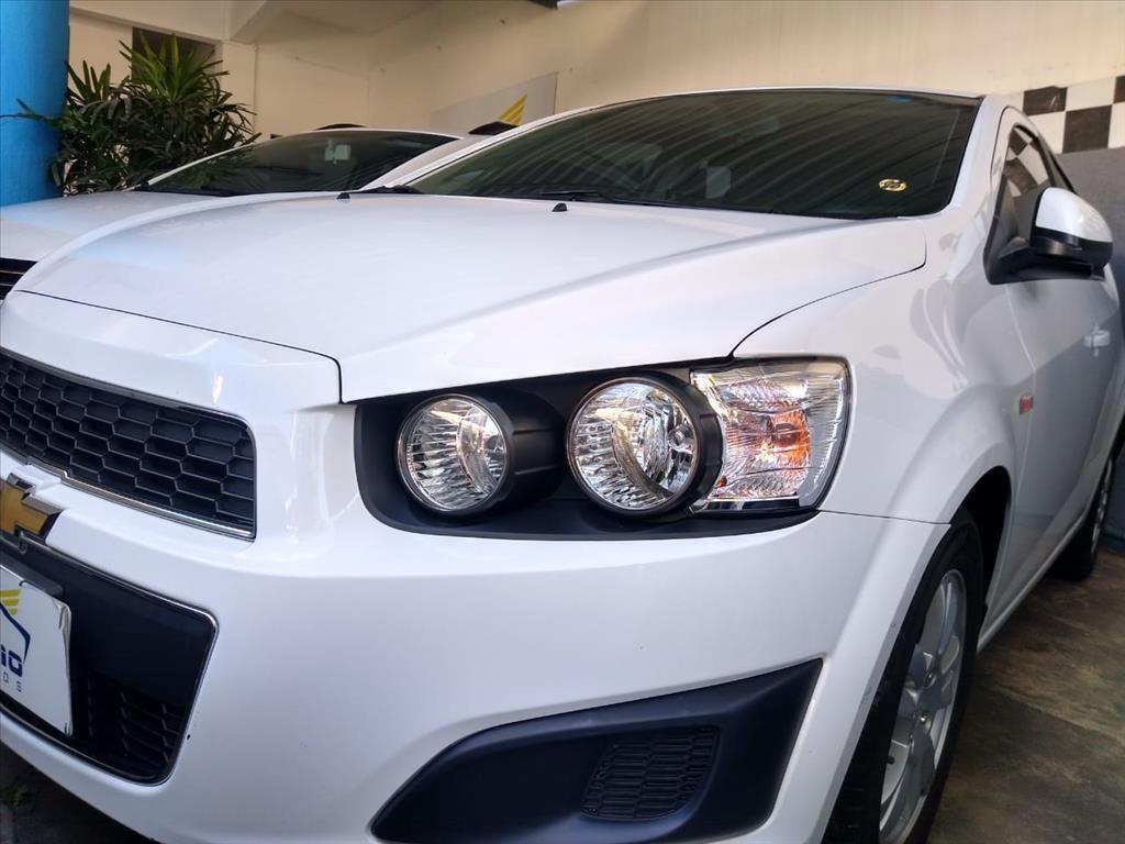 //www.autoline.com.br/carro/chevrolet/sonic-16-hatch-lt-16v-flex-4p-automatico/2014/salvador-ba/14821590