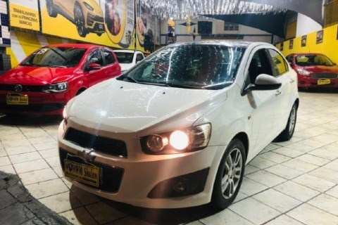 //www.autoline.com.br/carro/chevrolet/sonic-16-sedan-ltz-16v-flex-4p-automatico/2014/sao-paulo-sp/15023060
