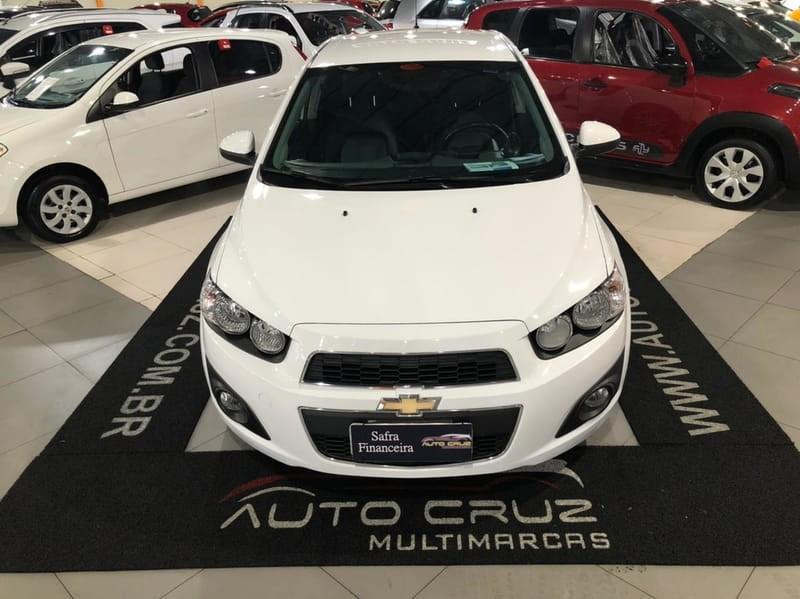 //www.autoline.com.br/carro/chevrolet/sonic-16-hatch-ltz-16v-flex-4p-automatico/2014/curitiba-pr/15169268