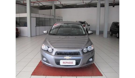//www.autoline.com.br/carro/chevrolet/sonic-16-ltz-16v-116cv-4p-flex-automatico/2012/novo-hamburgo-rs/6896732