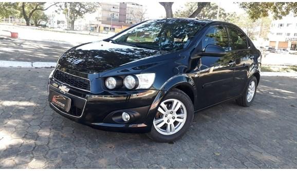 //www.autoline.com.br/carro/chevrolet/sonic-16-ltz-16v-flex-4p-automatico/2014/brasilia-df/8844396