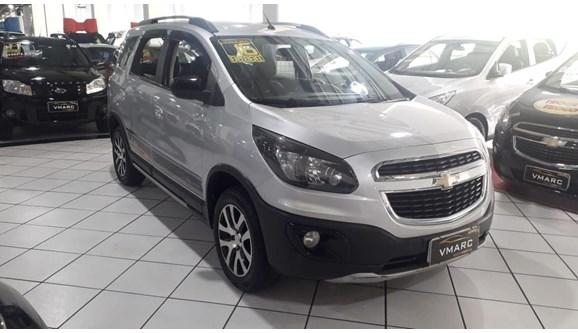 //www.autoline.com.br/carro/chevrolet/spin-18-activ-8v-flex-4p-automatico/2016/sao-paulo-sp/10954680