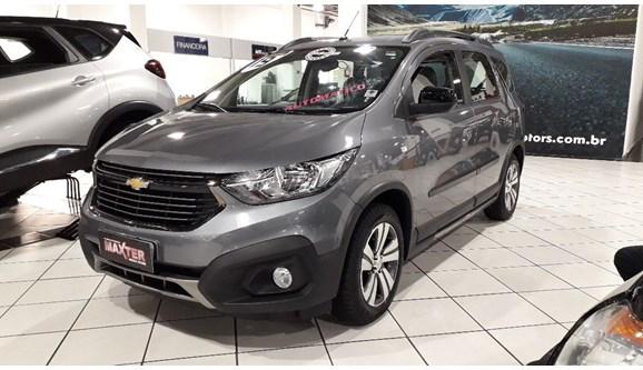 //www.autoline.com.br/carro/chevrolet/spin-18-activ-8v-flex-4p-automatico/2019/sao-paulo-sp/11388507