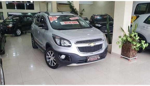 //www.autoline.com.br/carro/chevrolet/spin-18-activ-8v-flex-4p-automatico/2015/sao-paulo-sp/13456826
