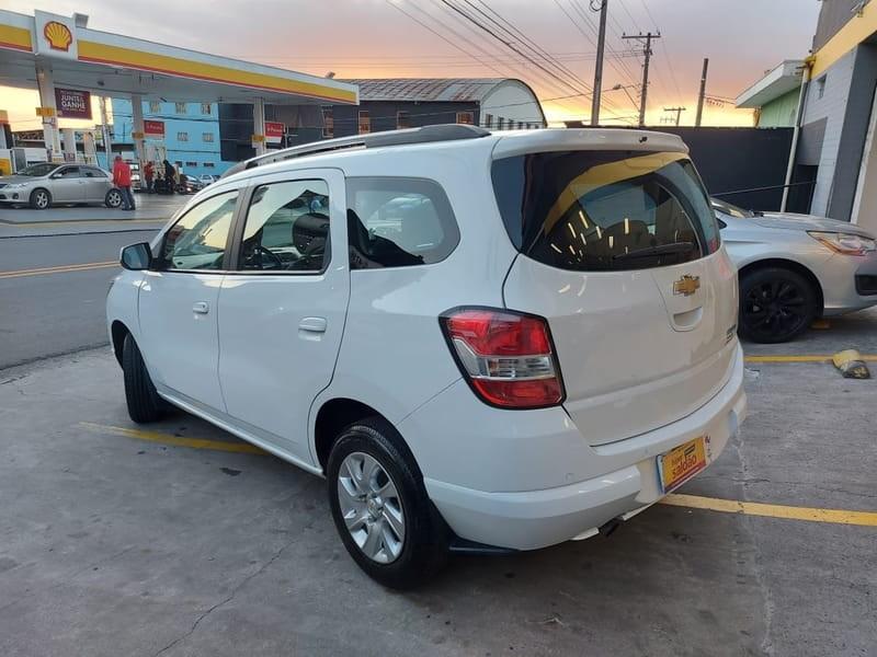 //www.autoline.com.br/carro/chevrolet/spin-18-ltz-7l-8v-flex-4p-automatico/2016/mogi-das-cruzes-sp/15236891