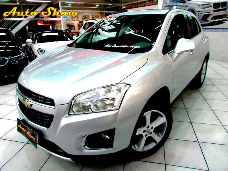 //www.autoline.com.br/carro/chevrolet/tracker-18-ltz-16v-flex-4p-automatico/2015/sao-paulo-sp/11214282