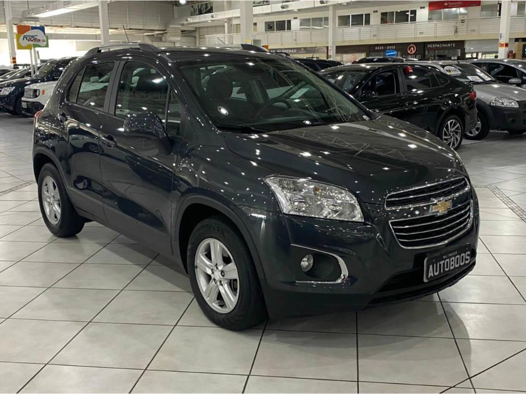 //www.autoline.com.br/carro/chevrolet/tracker-18-lt-16v-flex-4p-automatico/2016/indaial-sc/13648329