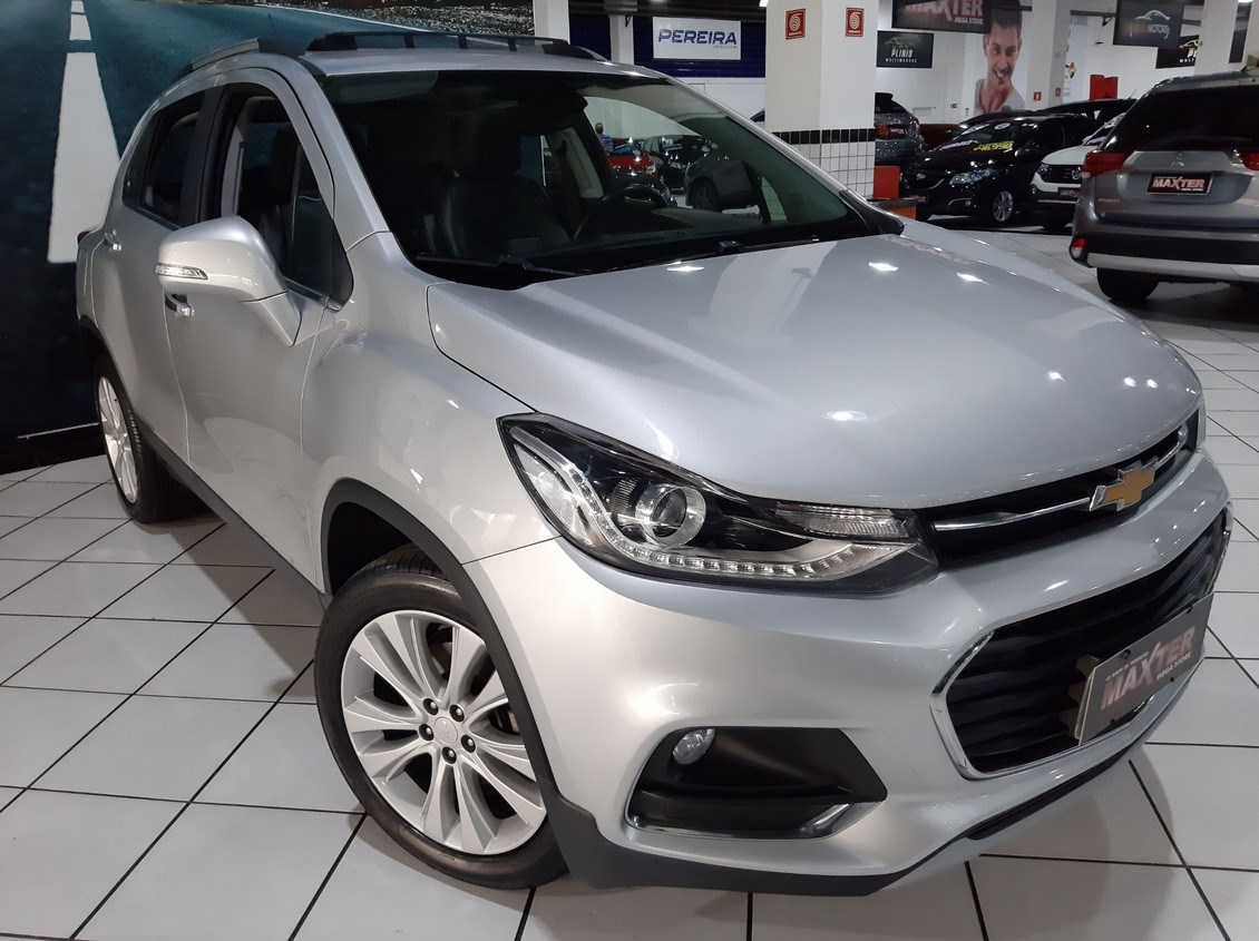 //www.autoline.com.br/carro/chevrolet/tracker-14-premier-16v-flex-4p-turbo-automatico/2018/sao-paulo-sp/14671225