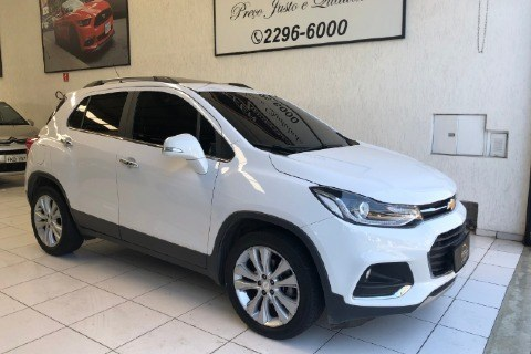 //www.autoline.com.br/carro/chevrolet/tracker-14-premier-16v-flex-4p-turbo-automatico/2018/sao-paulo-sp/14791543
