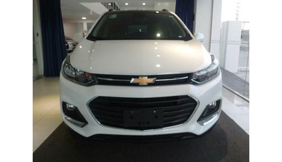 //www.autoline.com.br/carro/chevrolet/tracker-14-lt-16v-flex-4p-automatico/2017/aracaju-se/8287523