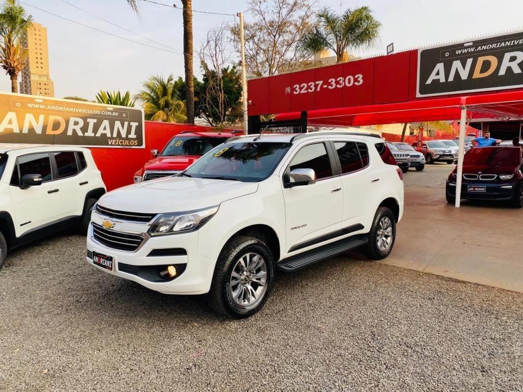 //www.autoline.com.br/carro/chevrolet/trailblazer-28-ltz-7l-16v-diesel-4p-4x4-turbo-automatico/2018/ribeirao-preto-sp/12635265