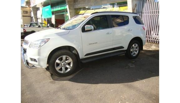 //www.autoline.com.br/carro/chevrolet/trailblazer-28-ltz-16v-diesel-4p-4x4-turbo-automatico/2014/varginha-mg/12927375