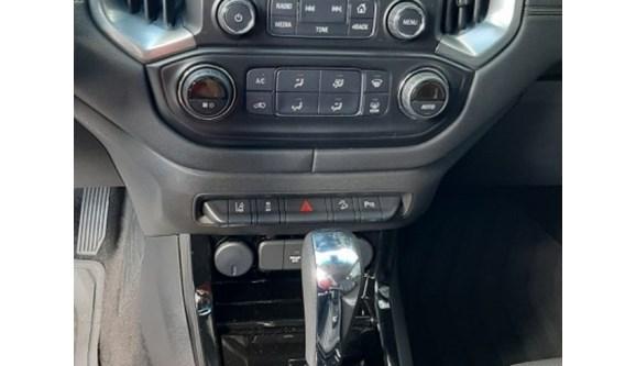 //www.autoline.com.br/carro/chevrolet/trailblazer-28-ltz-7l-16v-diesel-4p-4x4-turbo-automatico/2019/guarapuava-pr/12971753