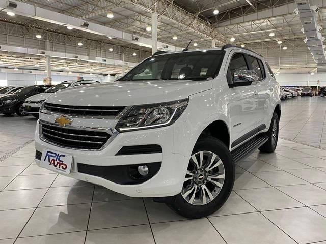 //www.autoline.com.br/carro/chevrolet/trailblazer-28-ltz-7l-16v-diesel-4p-4x4-turbo-automatico/2018/blumenau-sc/13079060