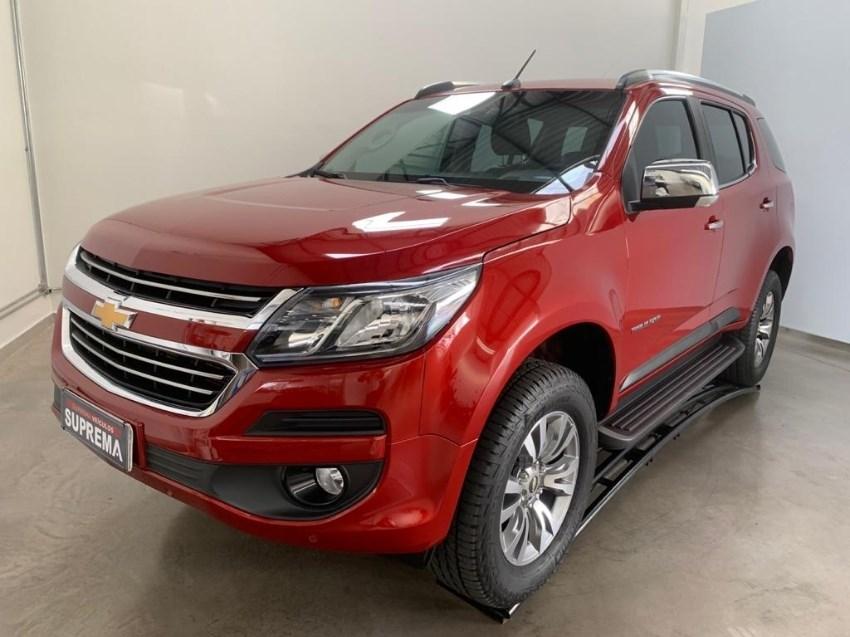 //www.autoline.com.br/carro/chevrolet/trailblazer-28-ltz-7l-16v-diesel-4p-4x4-turbo-automatico/2018/brasilia-df/13536356